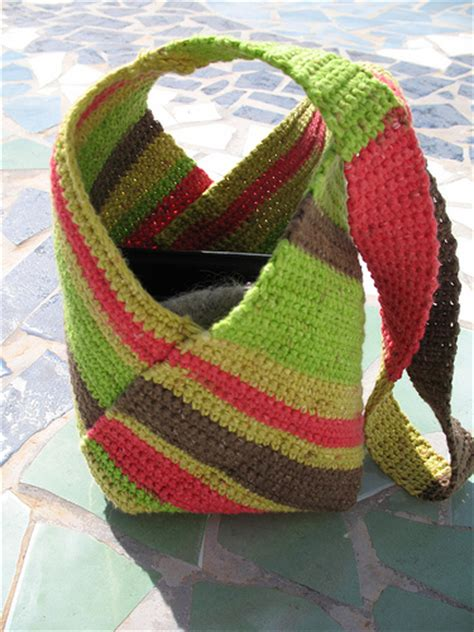 use this envelope purse free crochet pattern to create a 15 free crochet bag patterns dream a little bigger