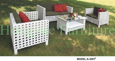 White Wicker Outdoor Patio Furniture   [peenmedia.com]