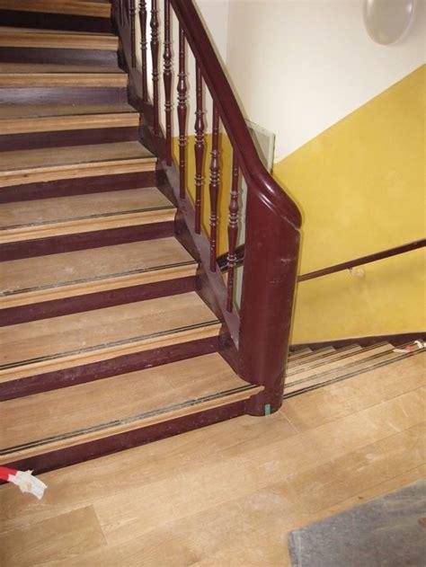 Treppen Anti Rutsch by Treppenrestaurierung Stufen Eiche Halb Gewendelt Mit