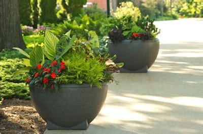 Landscape Forms Planters Rosa Planter