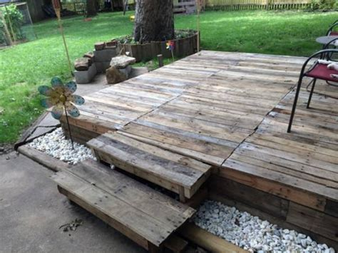 How To Make A Patio With Pallets by Pallet Garden Deck Floor Ideas Pallet Ideas Recycled
