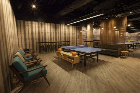 susan sarandon s spin ping pong brings its to chicago