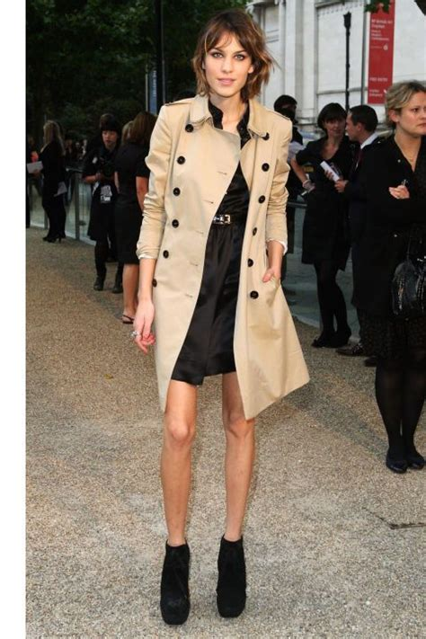Rumauma Piring St With Classic And Design 106 best images about wearing trench coats on coats actresses and kate