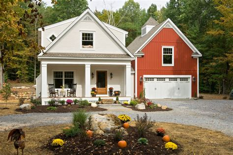 houses that look like barns exterior farmhouse with barn board and garages that look like barns greenhouses but look like a barn