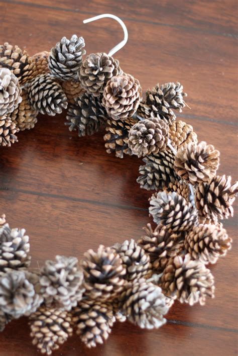 diy decorations pine cones 13 creative and easy diy autumn decorations pinecone