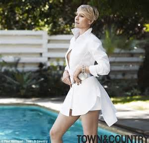 robin wright neck hole in her robin wright on resisting the pressure in hollywood to get