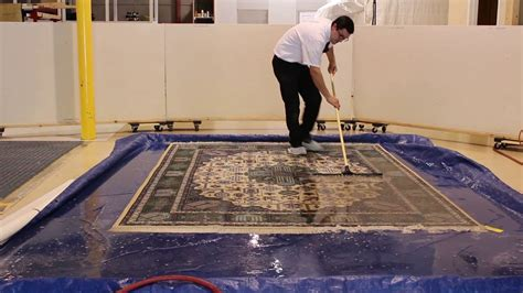 How To Clean A Large Rug by How To Clean A Throw Rug Rugs Ideas