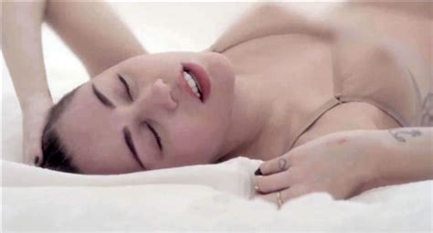 Miley Cyrus Deleted music Video sex Scenes