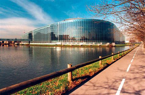 parlement europ馥n si鑒e b 226 timent quot louise weiss quot du parlement europ 233 en 224 strasbourg