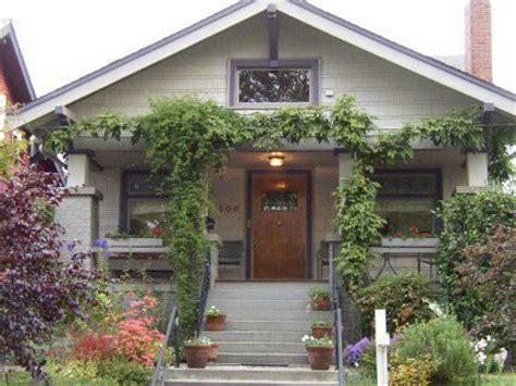 seattle ravenna autumn color craftsman exterior painting 25 best craftsman bungalow exterior paint ideas images on
