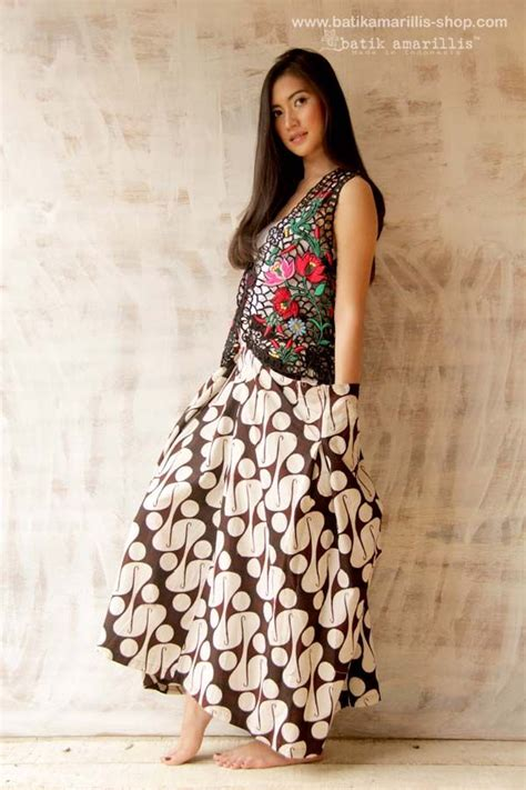 Parang Cape Maxi Dress Batik batik amarillis made in indonesia batik amarillis