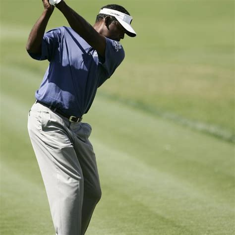 shoulder to shoulder golf swing how to make a proper shoulder turn for a golf swing