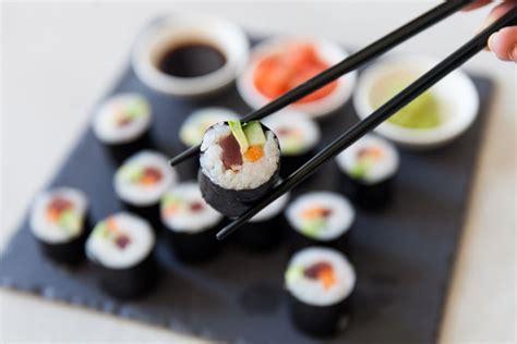 Alat Penggulung Sushi Bahan Plastik Elastis yuk buat sushi sendiri di rumah resep sushi sederhana dan