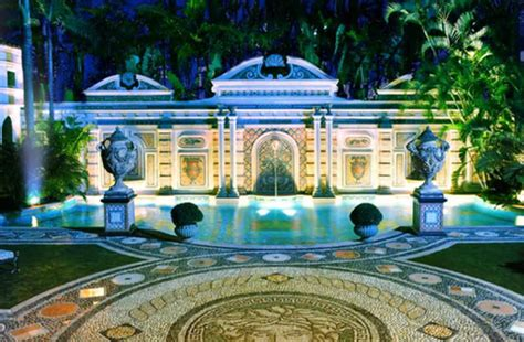 The Dining Room At The Villa By Barton G by Villa By Barton G Reopens At Versace Mansion In Miami