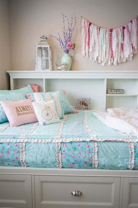 Trendy Beds by Best 25 Trendy Bedroom Ideas On Room Ideas
