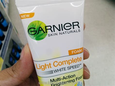 Garnier Multi Brightening Scrub garnier skin naturals light complete white speed multi
