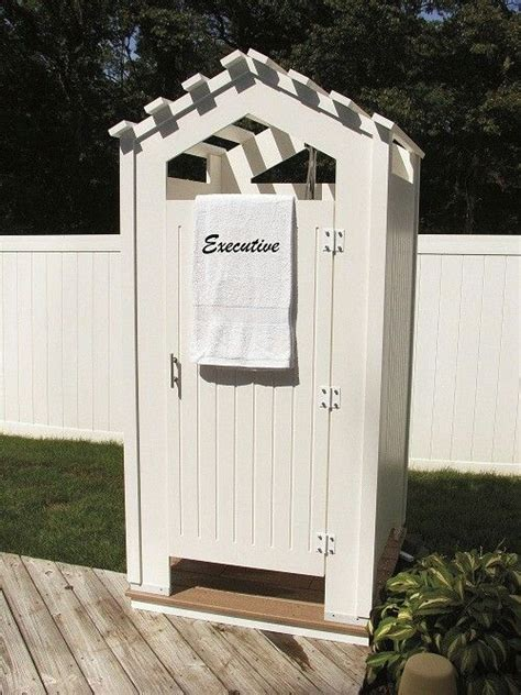 diy outdoor changing room 25 best ideas about pool changing rooms on