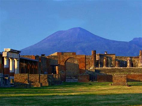 pompeii what to see in only one day practical travel guide for diy travelers books pompeii and amalfi coast tour day from rome limo