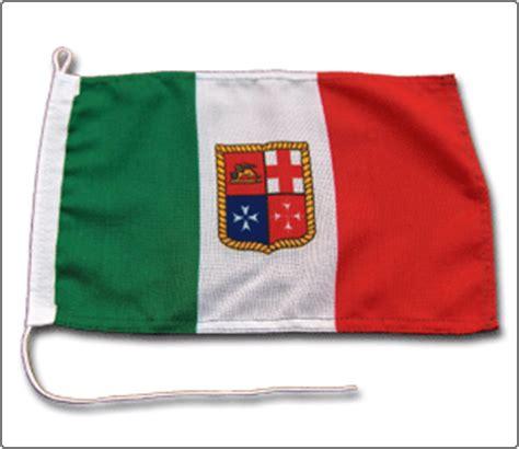 mercantile italiana bandiera italia marina mercantile da barca
