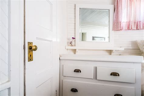 how to choose a bathroom mirror how to choose the best bathroom mirror