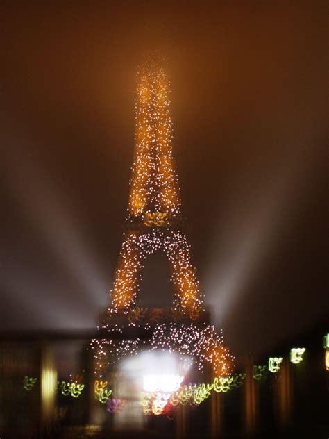 wann fängt weihnachten an weihnachten am eiffelturm bild foto pippensen aus