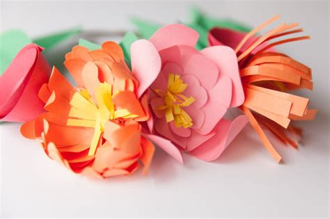 How To Make A Flower Crown With Paper - the cutest paper flower crowns you did see w photo