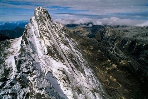 Cartenz Pyramid New carstensz pyramid puncak jaya great mountain