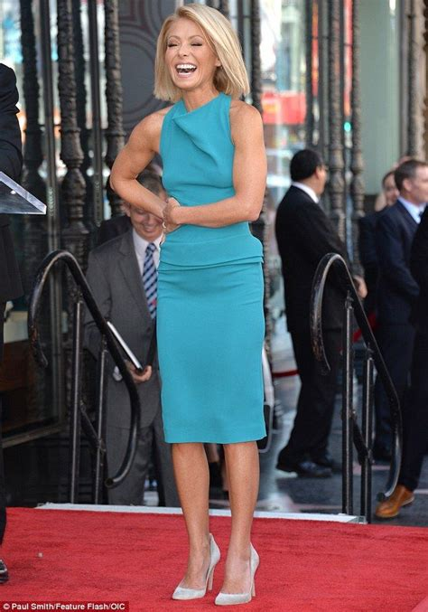 how does kelly ripa get her ringlets in her hair 48 best kelly ripa images on pinterest kelly ripa kelly