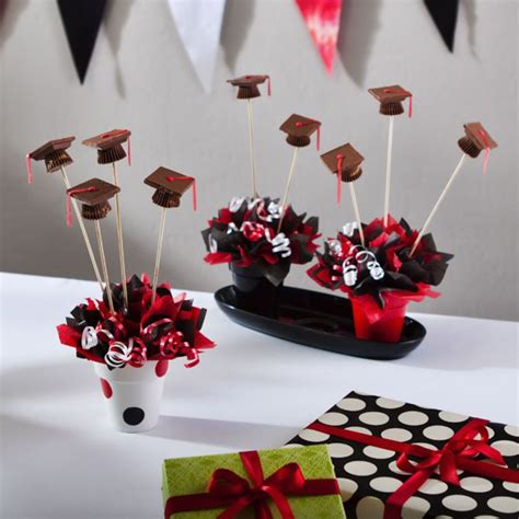 Graduation Party Table Decorations Related To Graduation Party Decorations Pinterest