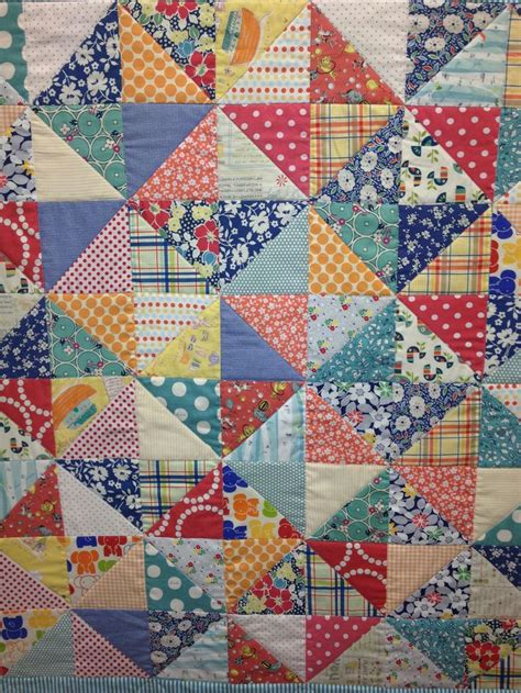 Triangle Patchwork Quilt - 109 best quilting half square triangles images on