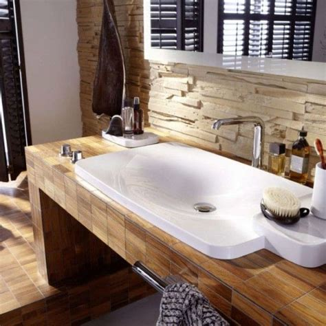 kleines gefliestes badezimmer holz mosaik fliesen badezimmer fliesen ideen interieur