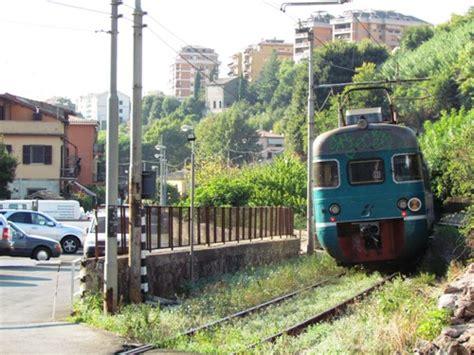 treno mobile stazione parte la riqualificazione della stazione ferroviaria