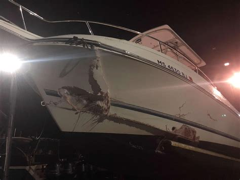 buoy boat crash five rescued in wareham after boat crashes into buoy