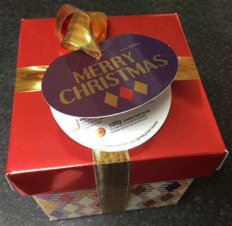 lush uk merry christmas gift set
