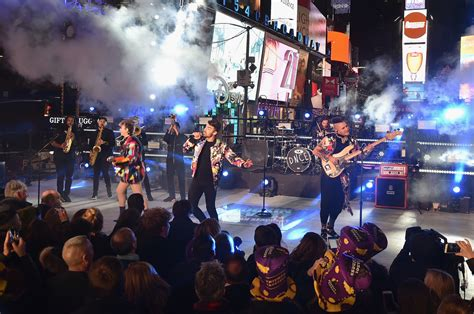 new year 2017 nyc dnce photos new year s 2017 in times square 124 of