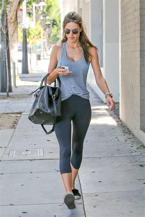 Alessandra Ambrosio Uh Walks Around by 17 Best Images About Alessandra Ambrosio On
