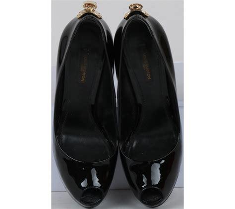 Sepatu Louis Vuitton 841 Pantofel Leather Black louis vuitton black open toe heels