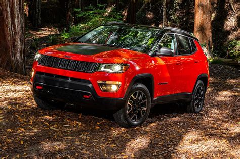new jeep truck 2017 2017 jeep compass first look review motor trend