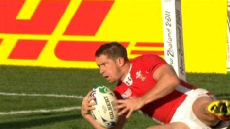 queens birthday honours list 2013 mbe uk news the mbe for shane williams in queen s birthday honours wales