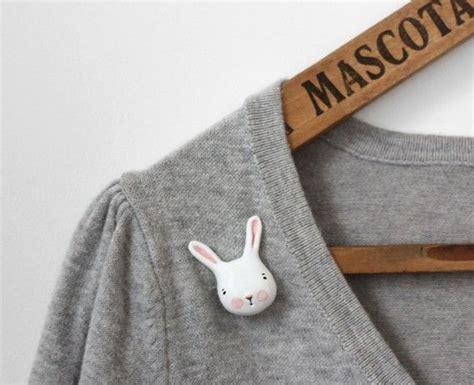 Rabbit Clutch Bunny Clutch autumn sale small bunny clutch pin 泥 と 手作り