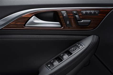 infiniti qx30 interior 2017 infiniti qx30 reviews and rating motor trend