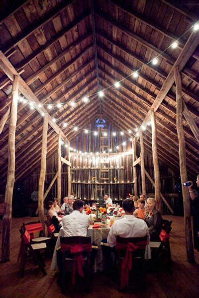 Barn Decorating Ideas | 10 barn wedding decor ideas