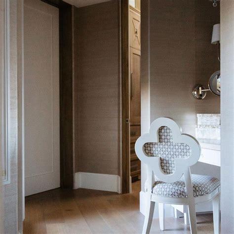 Walk In Closet Vanity by Walk In Closet With Make Up Vanity Design Ideas