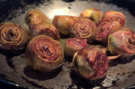 cucinare carciofi in padella carciofi in padella ricetta per preparare un contorno