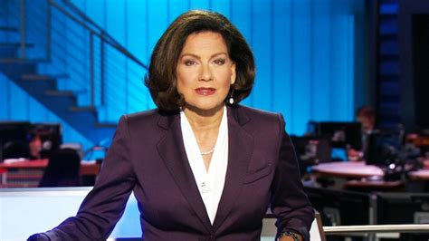 news anchor in la hair ctv national news with lisa laflamme wins rtdna best television newscast 24news ca
