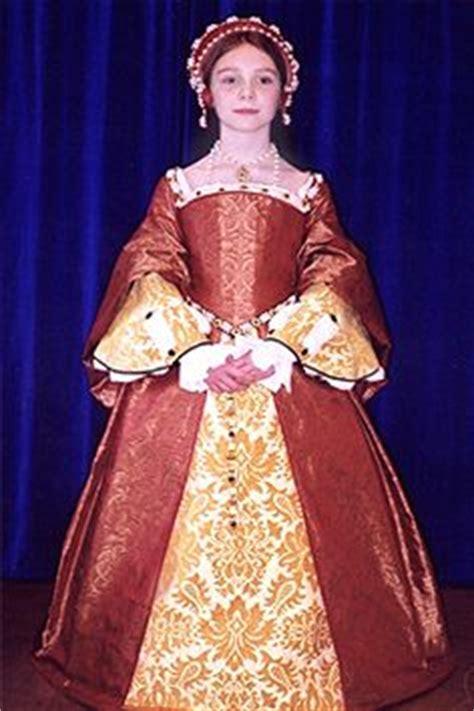 Mikhaila Dress Maroon 1000 images about garb on tudor doublet and elizabethan gown