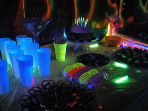 party themes glow in the dark glow in the dark party 187 dwell in the garden