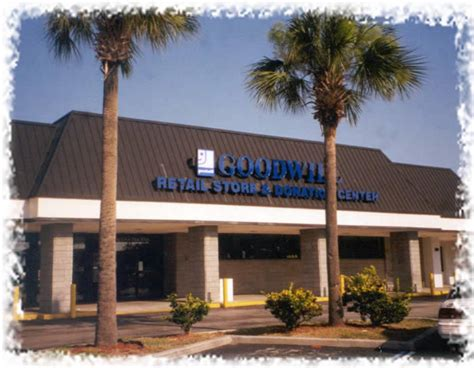 Does Goodwill Accept Couches by Goodwill Retail Donation