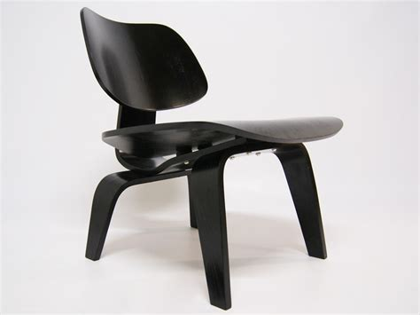 famous chairs eames lcw chair black