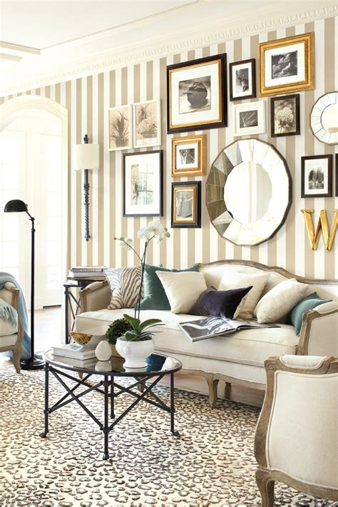 7 Wallpapered Looks And Why We Really Like Them